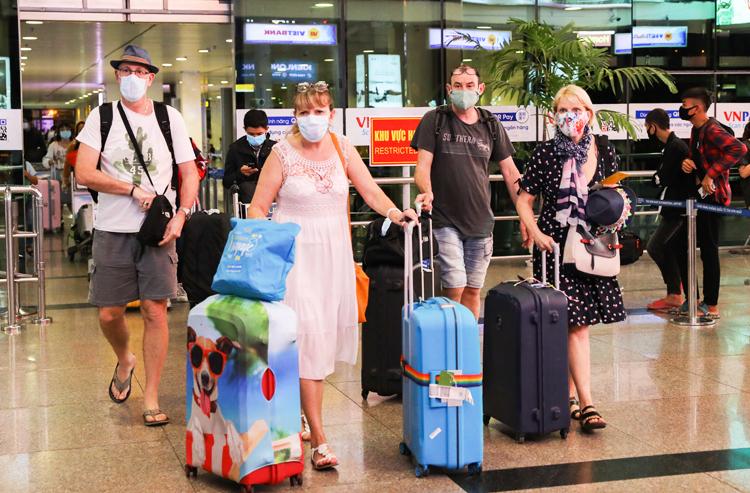Dừng miễn thị thực với công dân Nhật Bản, Nga, Belarus