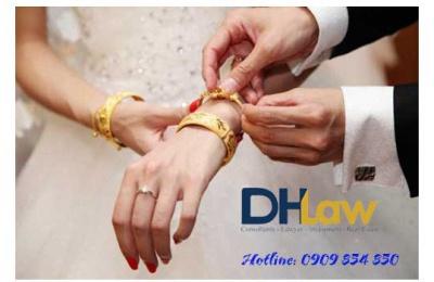 Mới cưới ly hôn có trả lại vàng cho nhà chồng không?