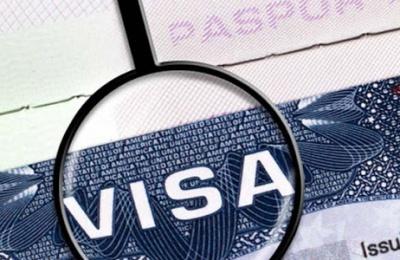 Việt Nam tạm dừng cấp visa với tất cả các nước để chống Covid-19