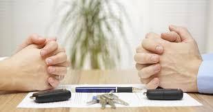 Tài sản đứng tên chồng khi ly hôn chia như thế nào?
