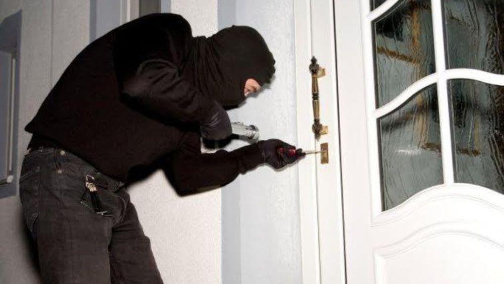 DHLaw cung cấp dịch vụ soạn đơn khởi kiện hành vi trộm cắp tài sản.