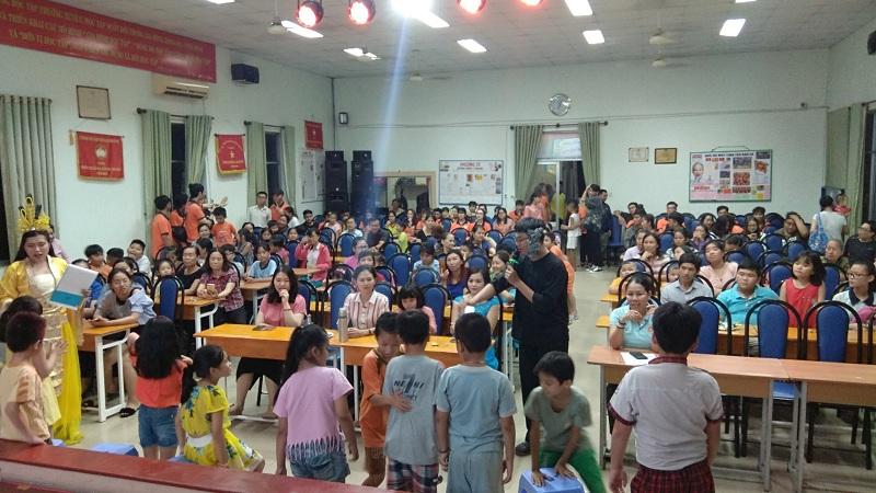 DHLaw đồng tổ chức tết Trung Thu tại Phường 25, Bình Thạnh
