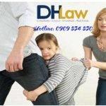 Tôi phải làm gì để giành quyền nuôi con với vợ ngoại tình?